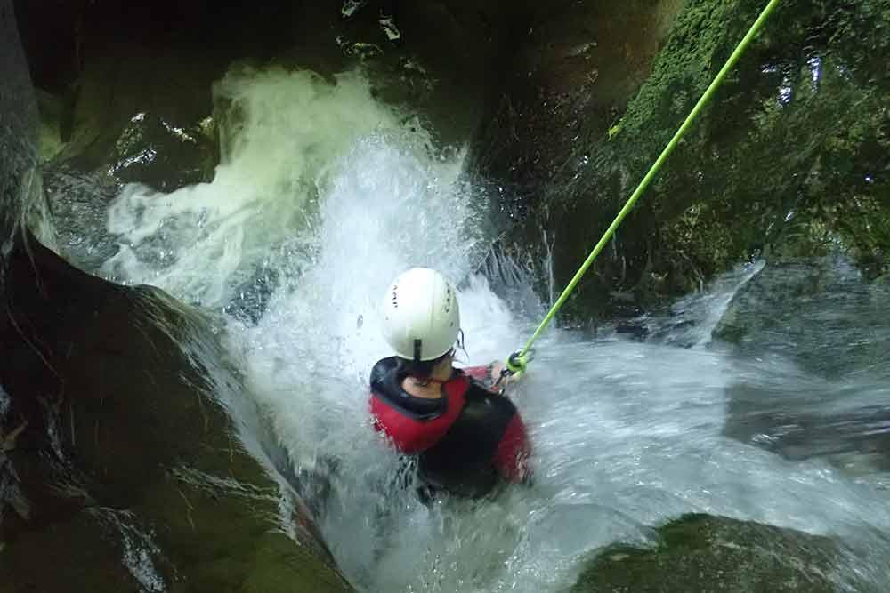 descente en rappel toboggan canyoning